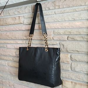 Vintage Chanel tote - extra pictures